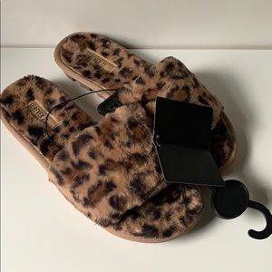 *Never Worn* Leopard Slippers (Fits Size 7)